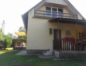 Balatonfenyves - Waterfront  Villa for 8 People next to the Beach
