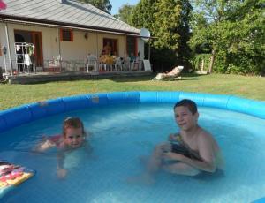 BF10  Ferienhaus in Balatonfenyves mit Pool