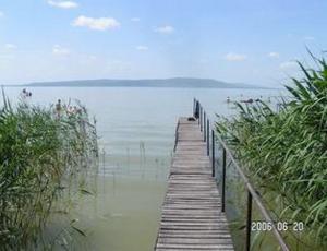 BF53 Balatonfenyvesi nyaraló saját stéggel