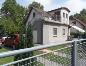 BF6 Waterfront House at Lake Balaton